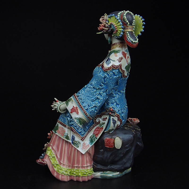 Rushed Porcelain Antiques Art Collectible Pure Manual Figurine Traditional Chinese Ceramic Statue Craft Figure Christmas in Statues Sculptures from Home Garden