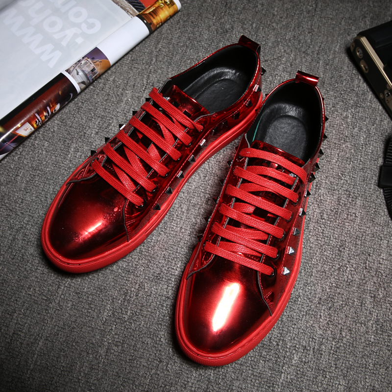 New Cool Young Casual Shoes for Boy Red Black Male Patent Leather Shoes Rivet Men Luxury Brand Shoes Anti-Slip Flats Footwear