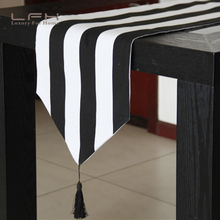 Modern European high-grade black and white stripes classic Western tablecloth table runner bar bar cover fashion table towel
