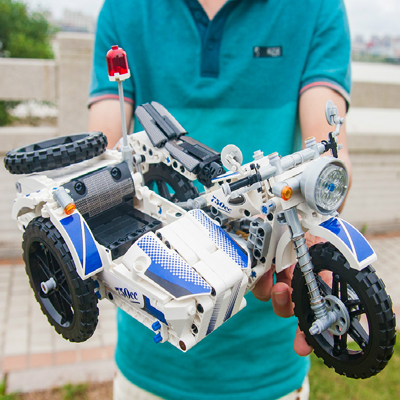 550Pcs Technic Motorcycle Police Building Bricks Blocks Sidecar Motorcross Model Gift Compatible Technic Car Toys-in Blocks from Toys & Hobbies