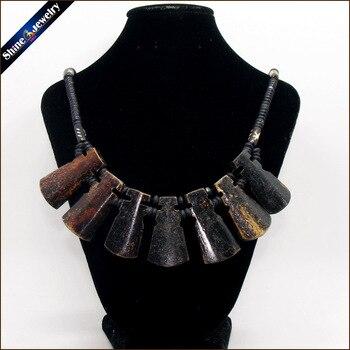 da14546f4f35 Tribal Vintage Natural de la joyería de Yak talla de hueso tótem cuentas  Strand gargantilla declaración collar babero para los hombres y las mujeres