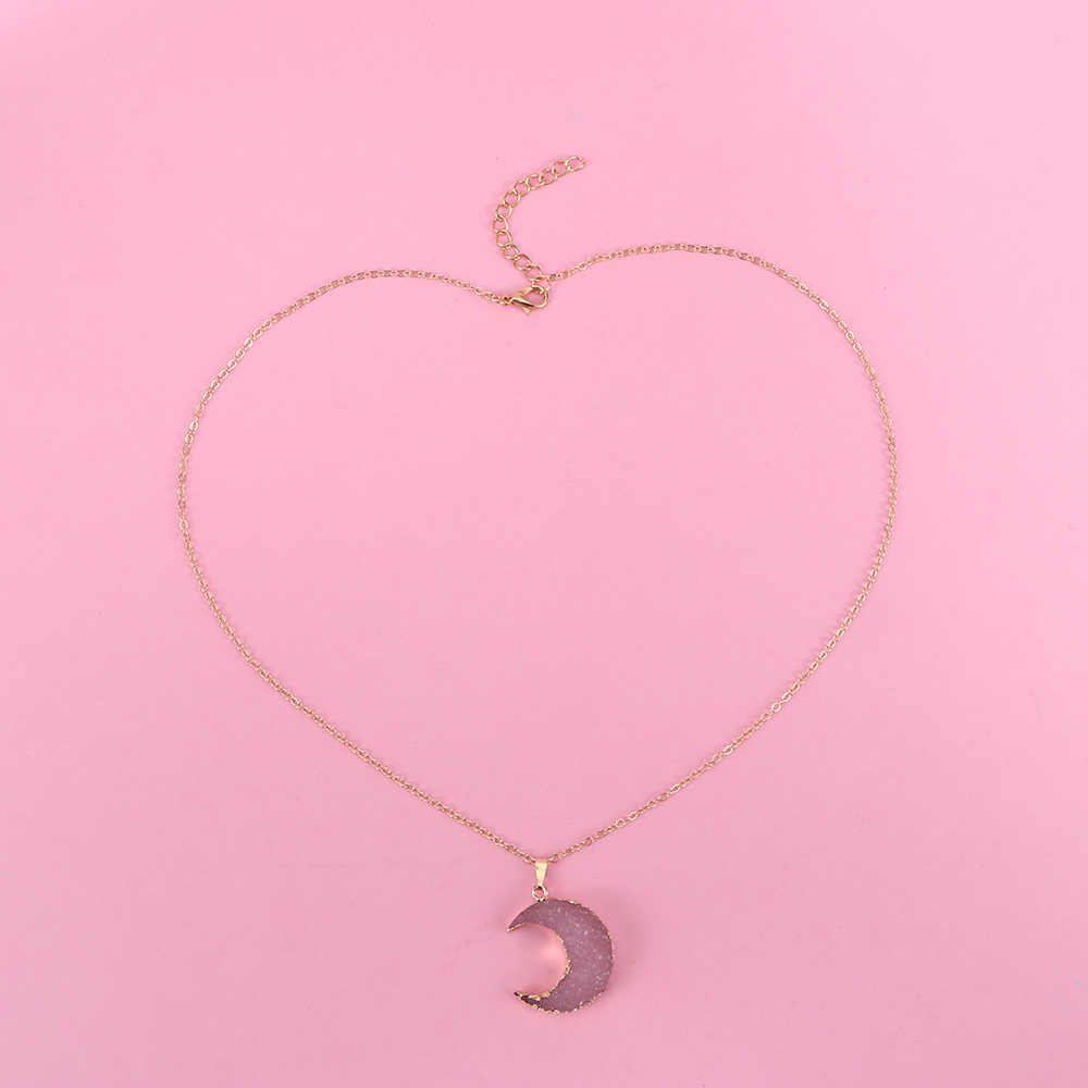 1PC Pink Black Moon Resin Stone Pendant Necklace Women Gold Color Chain Necklace Gifts for Female Link Chain Length: 50+5cm