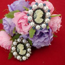 Vintage Cameo Rose Crystal Rhinestone Fashionable Antique Inspired Brooch Pin For Women Best Gift Party Jewelry, item: BH7789