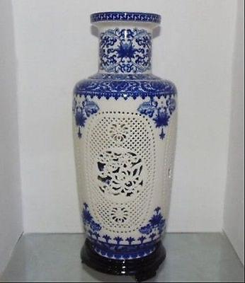Exquisite Chinês Azul e Branco Da Porcelana Vaso Perfurada Destacável, pintado com Flores e Pássaros