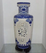 Beautiful China Porcelain 2 Set Double Hollow Carved Blue And White Big Vases цена 2017