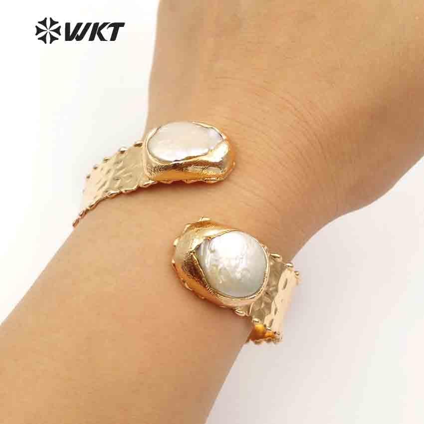 WT B434 WKT Vintage vrouwen sieraden verstelbare dubbele parel bangle gold metal electroplated op messing weerstaan tarnishable-in Armring van Sieraden & accessoires op  Groep 3