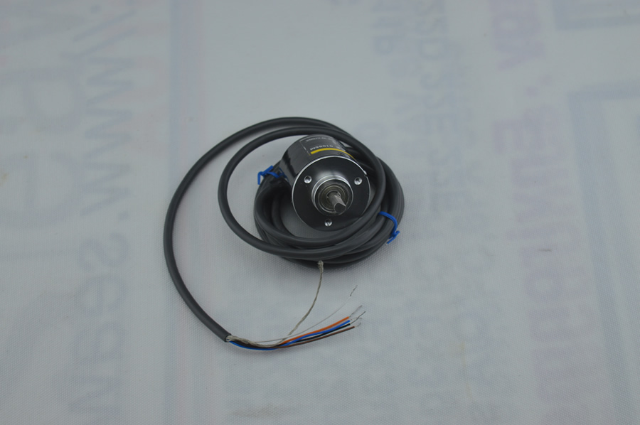 E6B2-CWZ5B 2000, 1000, 600, 500,360,200,100 P/R E6B2-CWZ5B Rotary Encoder,HAVE IN STOCK