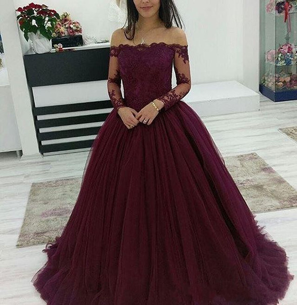 2019 Quinceanera Dresses Burgundy Ball Gown Off the Shoulder Long Sleeves Tulle Sweet 15 Party Prom Evening Wear