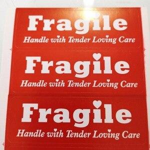 Image 1 - 300pcs 76x25mm ידית שבירה לי עם מכרז טיפול אוהב תווית מדבקת עבור חבילה הגנה, פריט לא. SS40