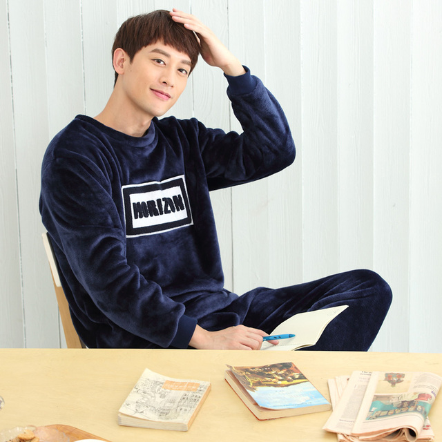 Winter men 's thickening plus cashmere long - sleeved flannel pajamas coral cashmere cartoon sets of home service suits