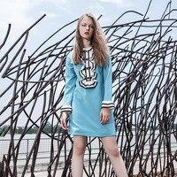 Взлетно-посадочной полосы платье Длинные рукава Вышивка цвет синий, черный; Большие размеры 34–43 модные уличный стиль линии платье E0849