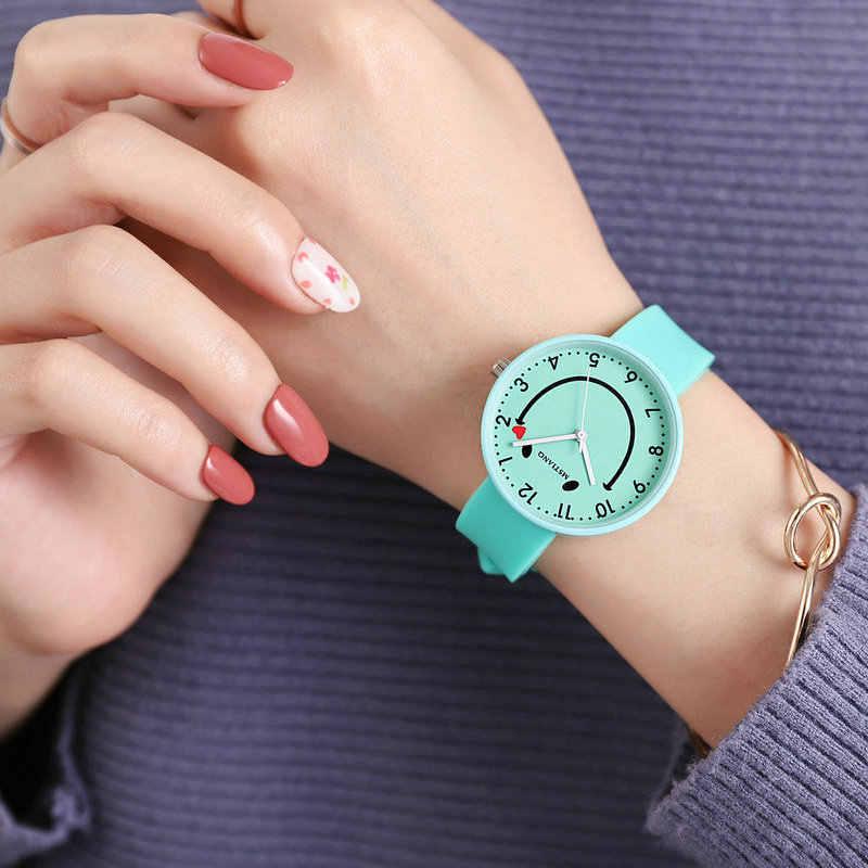 シリコーンソフト女性の腕時計子供のための生活防水学生笑顔子供腕時計スマイリー顔ガールズボーイズゼリー時計ギフト
