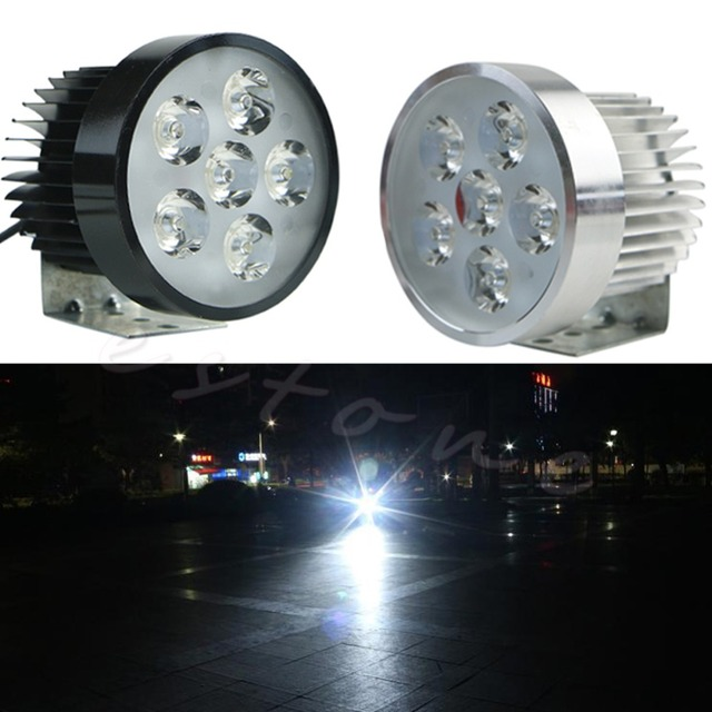 1 unid Super brillante 18 W motocicleta 6led luz conducción niebla lámpara del trabajo del punto nuevo negro Conchas C45