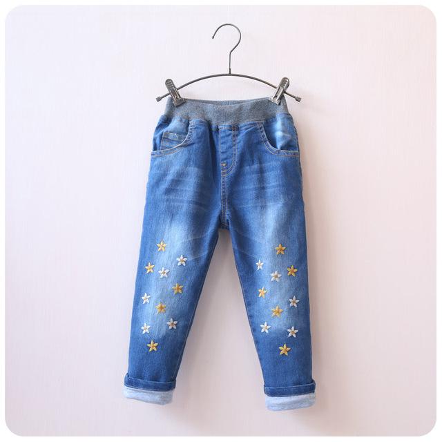 Crianças menina 2-7 anos calças de brim 2015 outono e inverno grosso forro de algodão quente casual calças estrela embroid