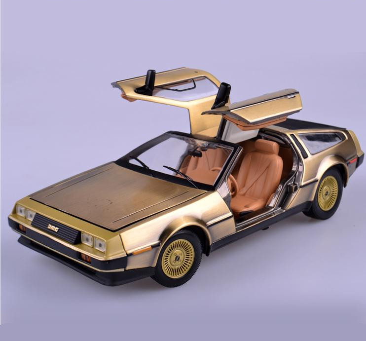 цена на 1:18 alloy car, Back To The Future movie version concept car model, 4 open the door collection of toy vehicles, free shipping
