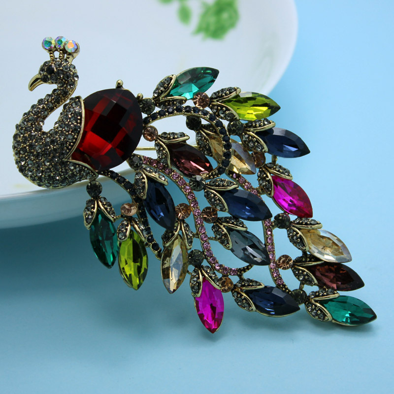 Very Nicely Peacock Brooches Women Fine Jewelry Coral Femininos Vintage Broaches Hijab Pins Accessories Christmas Brooches Joias