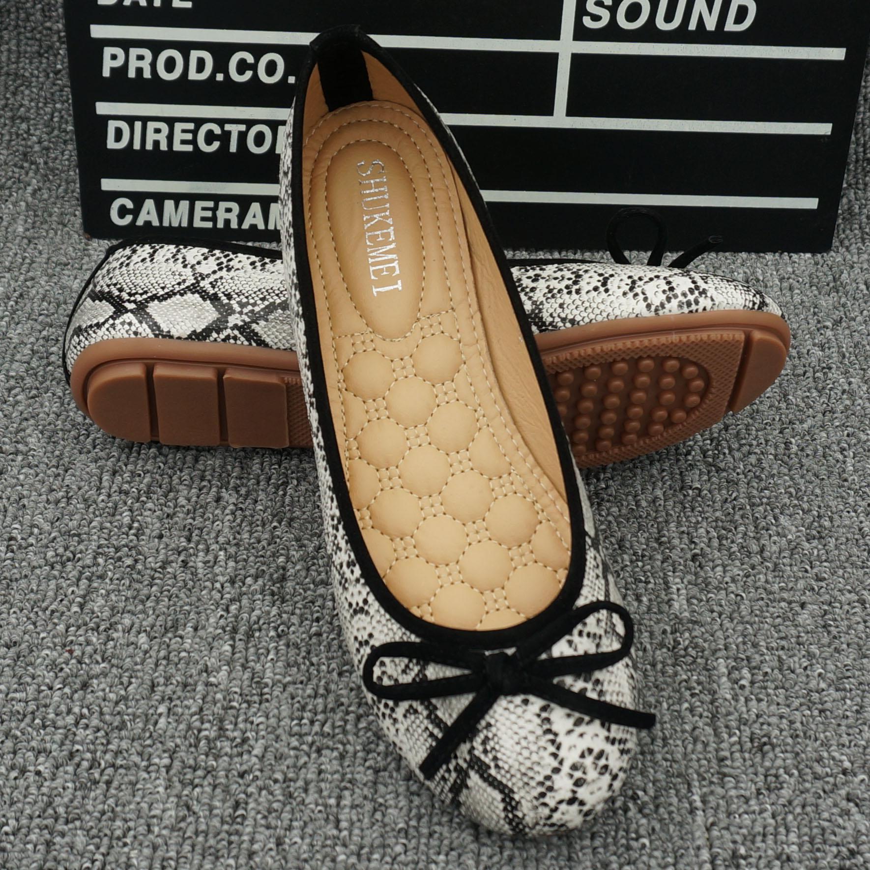 European style snake pattern single shoes flat round flat shoes Korean casual ballet shoes peas shoes large size women's shoes