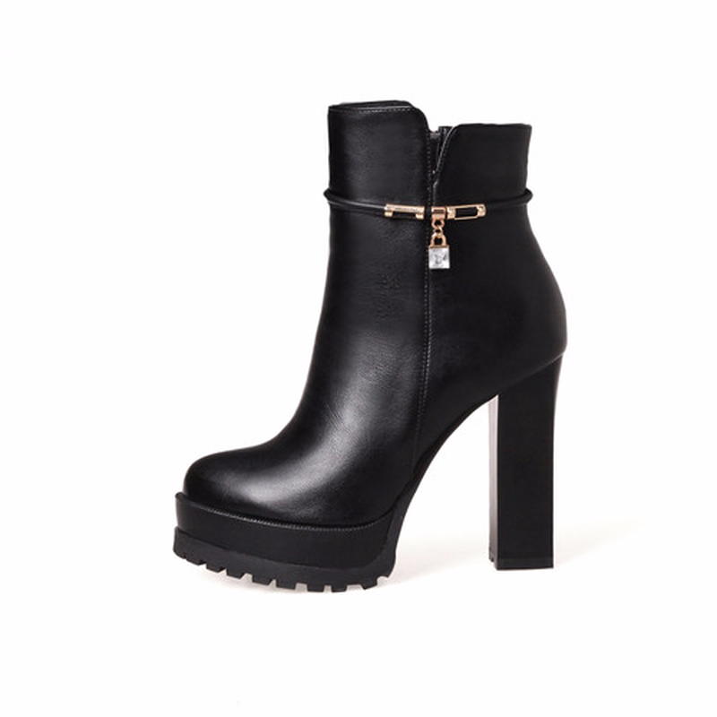 Fashion ladies leather shoes 2018 autumn and winter new high-heeled ankle boots personality trend solid color womens shoesFashion ladies leather shoes 2018 autumn and winter new high-heeled ankle boots personality trend solid color womens shoes
