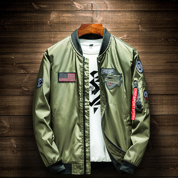 Army Green Bomber Jacket Men Fashion American Flag Patch Designs Pilot Jacket Ribbons Zipper Pocket Baseball Uniform Male Coat