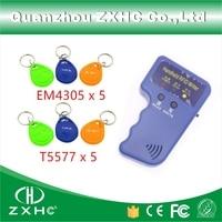 Leitor Portátil de Cartões de IDENTIFICAÇÃO 125 KHz RFID Copiadora Escritor Duplicador + Keyfobs E 5 x EM4305 5 x T5577 keyfobs