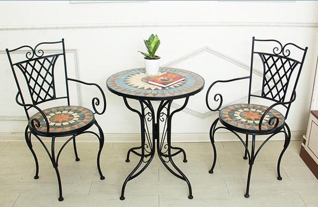 Tavoli Mosaico Per Esterno.Mosaico Cortile Esterno Cafe Esterna Giardino Sedie E Tavoli In