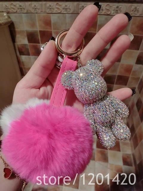 Baratija Novelty cristal hechos a mano oso llaveros moda llavero bolsa llaveros anillo de piel de conejo mujeres del bolso de la joyería