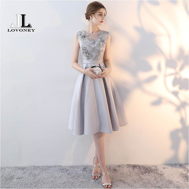LOVONEY YM304 Elegant A Line O Neck Short Prom Dresses with Appliques Beads Formal Dress Evening