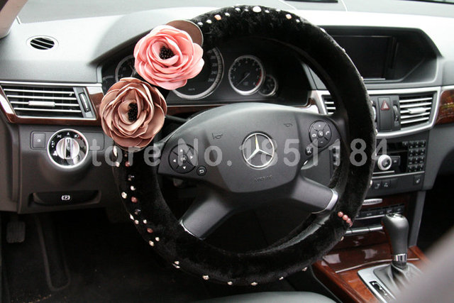 High-grade Women Rose Genuine Wool Auto Steering Wheel Covers Crystal Beaded 14 inch 36CM - Black