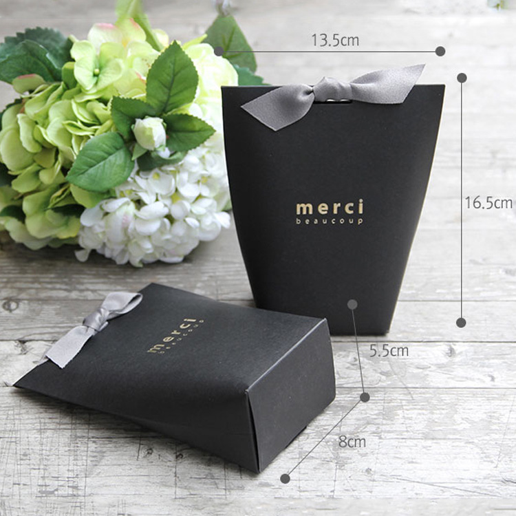 Image 4 - 50pcs/lot New Black and White  Pillow Box Merci  Ribbon Bow Present Carton Pouch Kraft box Gift DIY Boxes Wedding Party Supply-in Jewelry Packaging & Display from Jewelry & Accessories
