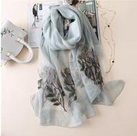 Donne di alta Qualità di Nuovo Disegno Sciarpa di Seta 190 cm X 85 cm Floreale Ricamato di fiori Lungo Scialle di Modo Delle Signore di lana dell'involucro della sciarpa