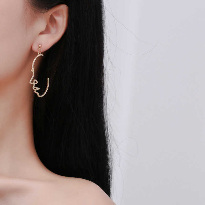 Wholesale New Fashion Girls Multiple Choice Earrings Retro Metal Alloy Fashion Abstract Hollow Out Dangle Earrings earring Face