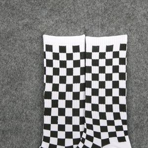 Image 5 - 1 ペアの原宿カジュアルなメンズ靴下チェック柄カラートレンド靴下国家風クリエイティブスポーツ男性の綿の靴下