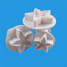 VOGVIGO 3 pcs/set Flowers Shape Fondant Cake Tool Rose Receptacle calyx Cookie Cutters Biscuit Mold Confectionery cake deco tool