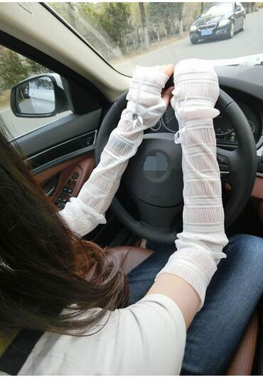 100 pairs summer driving gloves / electric car sunscreen lace gloves / ice silk half finger cuff UV sunscreen