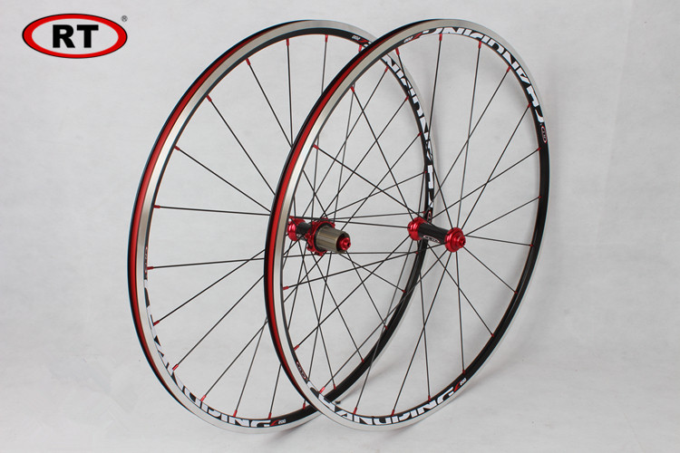 2017 Newest RT Road Bike Bicycle 700C Sealed Bearing Carbon Fiber 6 Claws Wheels Wheelset Rim 11 speed support 1600g free rt 17 newest road bike ultra light sealed bearing 700c wheels wheelset only 1630g rim free