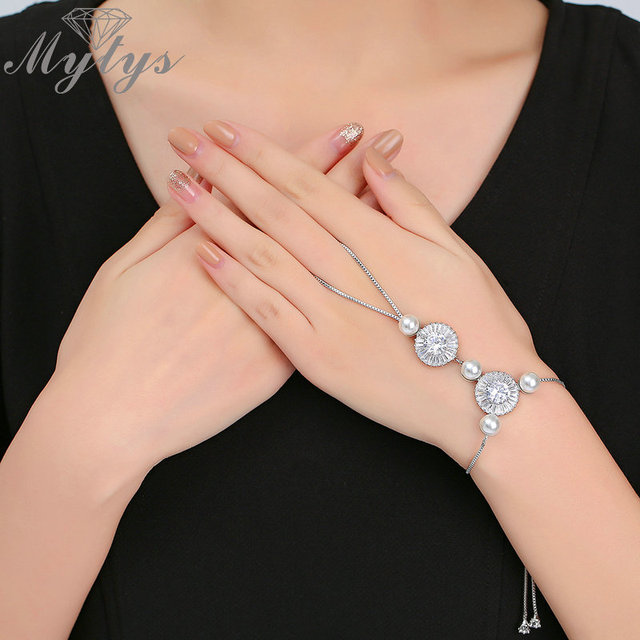 Mytys Back Of Hand Bracelet Pearl And Zircon Box Chain Palm Connect With Finger Fashion