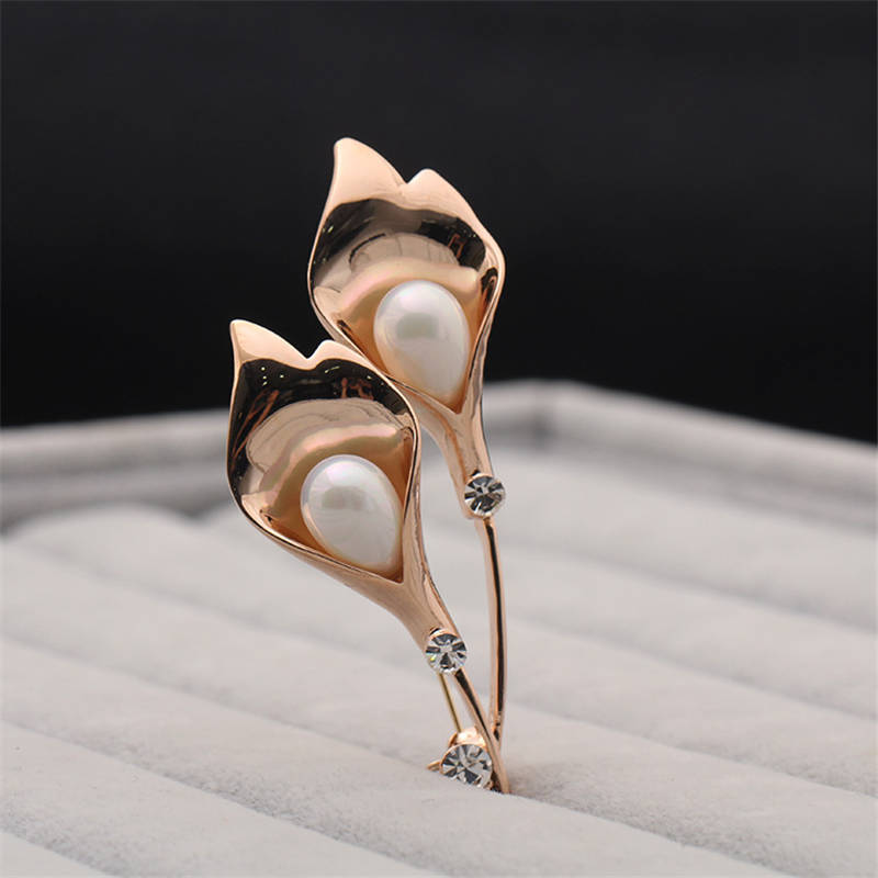 DoreenBeads Fashion Flower Badge Imitation Pearl Bead Safety Pin Brooch Cardigan Sweater Deco New Year Party 7.7cm*3.7cm 1PC