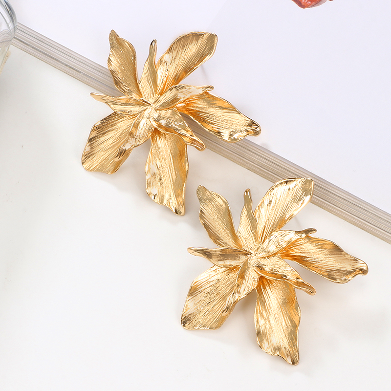 Asymmetric Golden Silver Flower Earrings 2