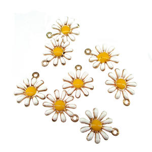 Necklace Jewelry Crafts Pendants Alloy Charm Daisy-Shape Sunflower Gold-Tone Beauty Great-Enameled