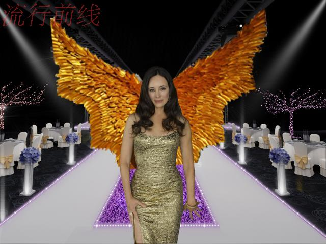 Shiny gold show feather wings T stage model catwalk shows