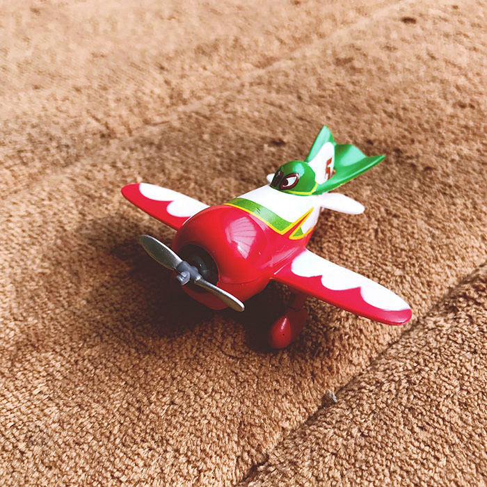 Hot Sale Mini Planes Pvc Bulldog El Chupacabra Action Figures Toys Invigorating Blood Circulation And Stopping Pains
