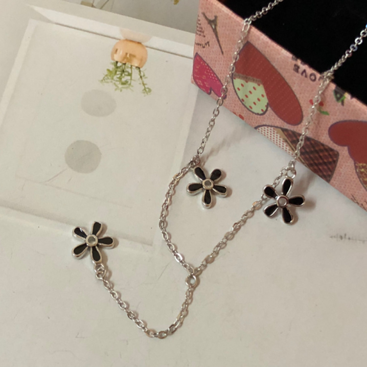 New dark sweet 925 silver black flower clavicle chain LW15