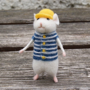 Image 1 - 2019 Women Lovely Mice Mouse Handmade Animal Toy Doll Wool Needle Felt Poked Kitting DIY Wool Kits Package Non Finished