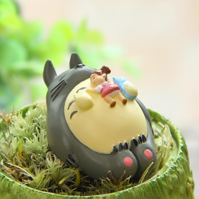 Mini Totoro Figure