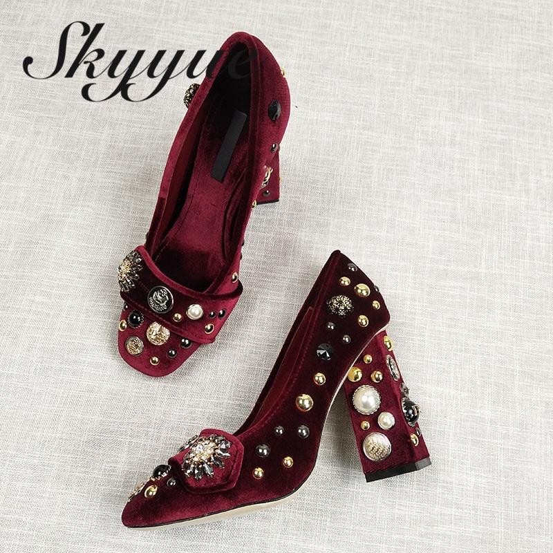 SKYYUE Новый Натуральная кожа Jewel Для женщин на высоком каблуке круглый носок Металл деко коренастый пятки Для женщин Туфли лодочки Для женщин