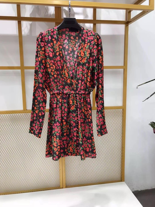 النساء جديد طويل كم البسيطة اللباس 2019 كاميليا زهرة طباعة V الرقبة أزرار الحرير أنيقة اللباس-في فساتين من ملابس نسائية على  مجموعة 2