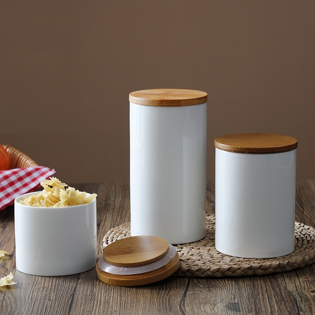 Natural Design Ceramic Sealing Pot Storage Bottle Jar with Bamboo Cover for Kitchen Food Tea Coffee Grains and Spices