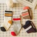 1 unidades al por menor de los niños calcetines niños de puro algodón primavera verano rejilla deportiva malla de calcetines de bebé para el niño niña raya 4 colores