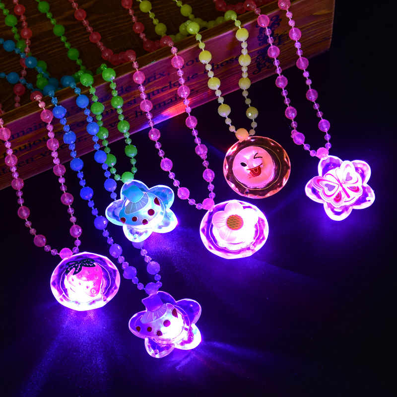 1pc Novelty Luminous Toys For Kids Girls Led Flashing Pendant Necklace Children Birthday Party Gift Beautiful Glowing Necklaces