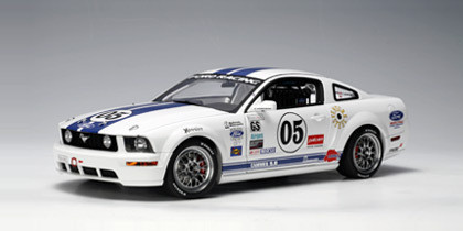 Autoart FORD racing mustang fr 500c 2005 white limited edition